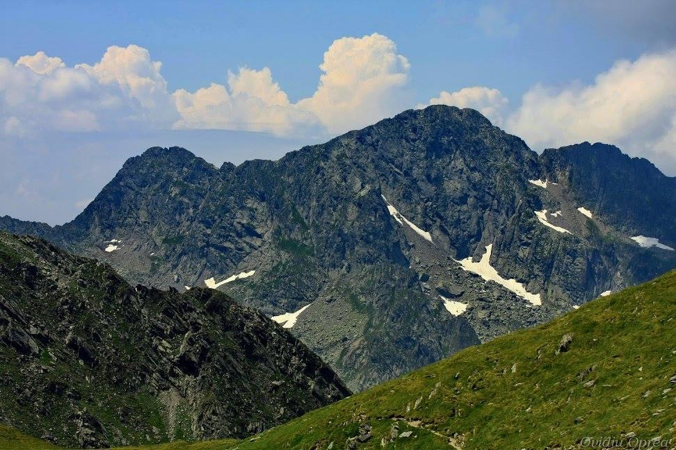 mountaineering despre